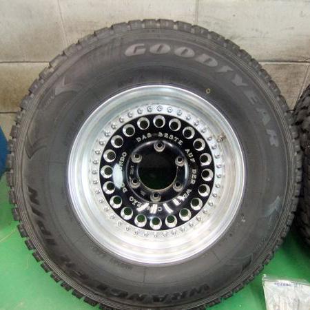 トヨタ ハイラックス サーフ 16インチ タイヤホイールを買取いたしました。